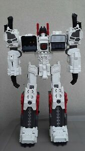 Transformers Generations TG-23 Metroplex (23 inch Action Figure) - Incomplete