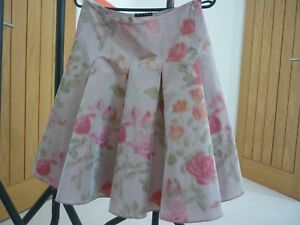 Sisley Skirt size 40 (uk 12)