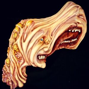 Life Size John Carpenter's THE THING Split-Face Wall Hanger Horror Movie Statue