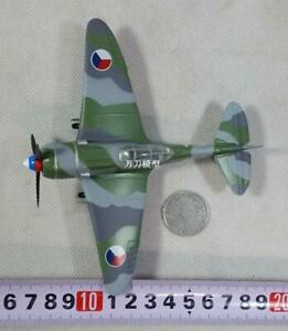 WWII Czech Air Force La-7 Fighter Aircraft Model Collection Decoration 1:72