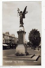 SUSSEX, EASTBOURNE, THE WAR MEMORIAL AND STREET SCENE, RP
