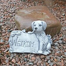 Skulpturen aus Steinguss mit Hunde-Motiv