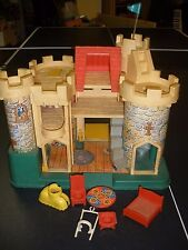 Vintage 1974 Fisher Price Little People Play Family Castle 993