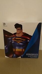 *SUPERMAN THE MAN OF STEEL STATUE SEAN GALLOWAY DC COLLECTIBLES DIRECT BATMAN