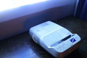 *Epson EB-455Wi*0,37:1 Ultra-Kurzdistanz Beamer Whiteboard Projektor interaktiv