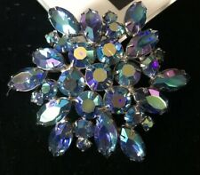 Vintage Weiss Blue Aurora Borealis Brooch