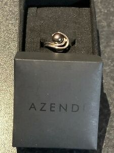 Azendi Black Pearl & Silver Ring Size L