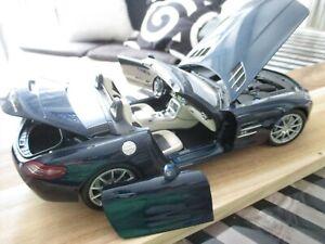 Mercedes Benz 1:18 SLS AMG Minichamps