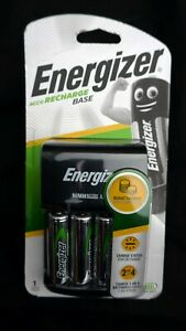 Energizer ACCU Recharge Base AA / AAA with 4 AA Batteries