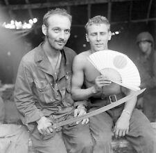 WW2 Photo WWII Australian Soldier Trophys New Guinea ANZAC  World War Two / 1435