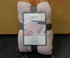 Threshold Tufted Crinkle Gauze Rose Pillow Sham Standard New 20 X 26