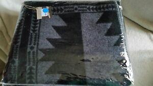 Faribault Woolen Mills Abstract Queen Woolen Blanket NWT $ 350 Black / Gray