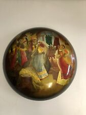 VINTAGE RUSSIAN HAND PAINTED BLACK LACQUER ROUND TRINKET BOX SIGNED
