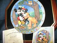 Disney's Friends For All Seasons Mickey/Minnie 3D Plate 1998 COA Autumn Campfire