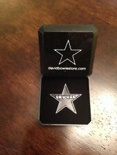 David Bowie,Blackstar, Special tribute pin badge in Gift Box +FREE GIFT