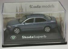 Abrex Skoda Superb Limousine blaumet. Modellauto PKW 1:72 OVP ST 9903-80-92