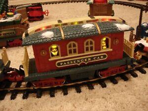 New Bright Holiday Express PASSENGER CAR train 384 385 386 387 380
