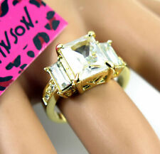New Betsey Johnson Princess White GemStone Gold Colour Classic Ring Size 6