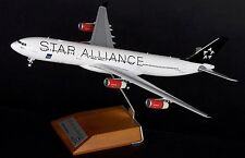 """JC WINGS JC2094 1/200 SAS """"STAR ALLIANCE"""" A340-300 OY-KBM WITH STAND"""