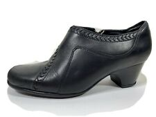 Clarks Everyday Leather Ankle Bootie 8 M