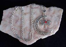 Tibetan Silver Crescent Moon & Libellula con Red Diamante Collana. fatto a mano.