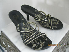"""IOS TRAVEL SMITH Black Gold Leather Strappy Slide In 3"""" High Heel Sandal Size 6M"""