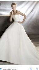 Stunning Pronovias size 16 Oziri Wedding Dress