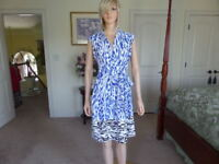 Ellen Tracy Blue/White/Black Surplice Pleated Sheath Dress Size 8
