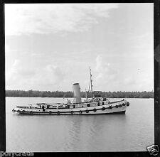 Bateau à vapeur navigant - Négatif photo ancien an 1950-60
