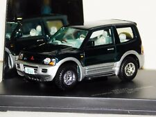 MITSUBISHI PAJERO EXCEED SHORT 2000 GREEN &SILVER SKID VMC069 1:43