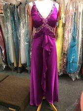 Bella Formals by Venus Prom Evening Special Occasion  Dress s 22.$ 260.00