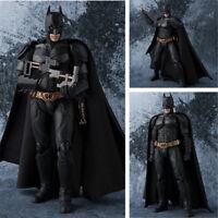 New In Box Batman S.H.Figuarts SHF The Dark Knight Action Figur Figuren