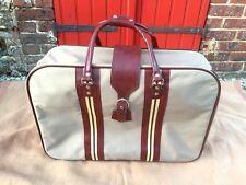 valise souple bicolore vintage; idéale déco boutique, théâtre, ciné, etc..