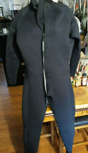 NeoSport 5mm Wetsuit - Lightly Used - FREE SHIPPING !