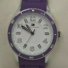 Reloj TOMMY HILFIGER para mujer. Correa púrpura, 38 mm.