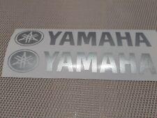 Hochwertige Premium Yamaha Motorrad Aufkleber-Sticker in der Farbe Silber.