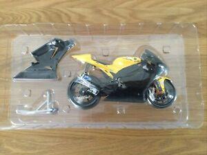 """Minichamps Valentino Rossi """"Black Fairing"""" Yamaha 2006 Very Rare"""