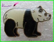 Pin's Animal Un petit Panda noir et blanc ours bear   #A1