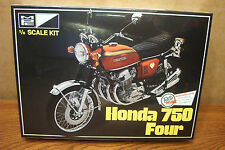 MPC HONDA 750 FOUR MOTORCYCLE 1/8 MODEL KIT