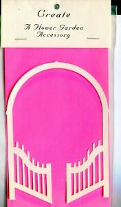 Die Cut White Wedding/Garden Arch Scrapbook-Quilling Page Embellishment