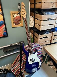 Peavey 78 Milestone BXP Electric Bass Guitar With Soft Case