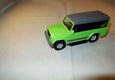 1:43 SuV Modellauto IVECO MASSIF Offroad Geländewagen 4-türig grün/grau 1:43