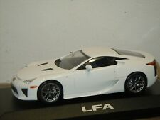 Lexus LFA Coupe - Minichamps 1:43 in Box *37491
