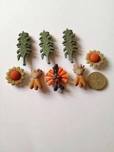 DRESS IT UP Children's  Autumn harvest Crop  Seasonal Fall Craft Buttons