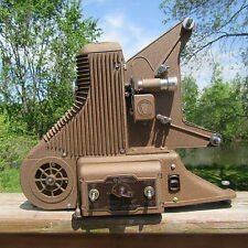VINTAGE 1940s UNIVERSAL MODEL PC-500 8mm MOVIE PROJECTOR CLEAN ORNATE WORKS USA