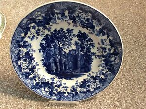 Wedgwood plate Gothic Ruins 1994 limited ed in Mint Condition.