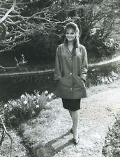 CLAUDIA CARDINALE 1960s VINTAGE PHOTO ORIGINAL #1 CANDID