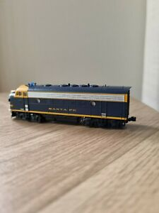 N Scale Kato EMD F7a locomotive in  Santa Fe livery  fitted with DCC no sound