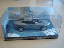 Modellini statici auto d'argento a Aston Martin