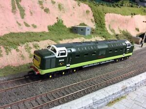 Lima Deltic BR Green Runs Very Well. Has A Damaged Cab Side Window.
